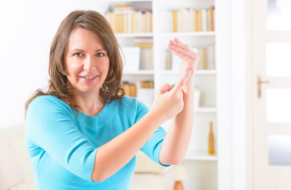 Vähenda koputamise abil oma hirme ja vabasta end piiravatest uskumustest, mis takistavad liikumast oma unistuste elu suunas