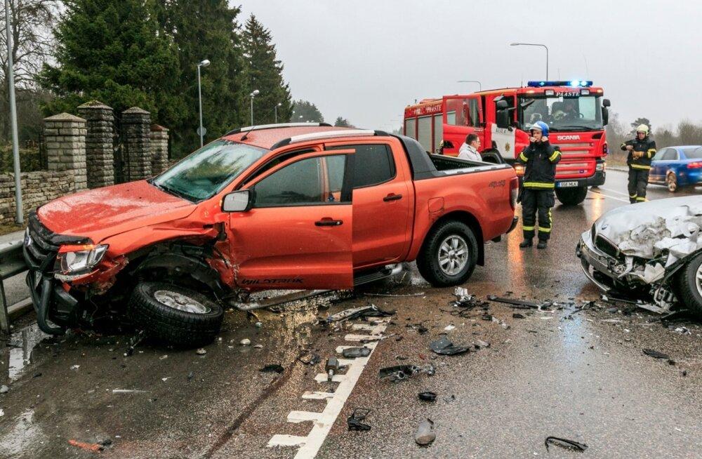 Õnnetusse sattunud autost häirekeskusse jõudev info edastatakse päästjatele, politseile või kiirabile.