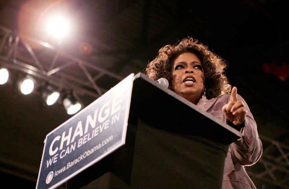 Oprah Winfrey pilt, kus ta 2007. aastal Obama toetuseks kõnet peab, on nüüd taas esikülgedele jõudnud.
