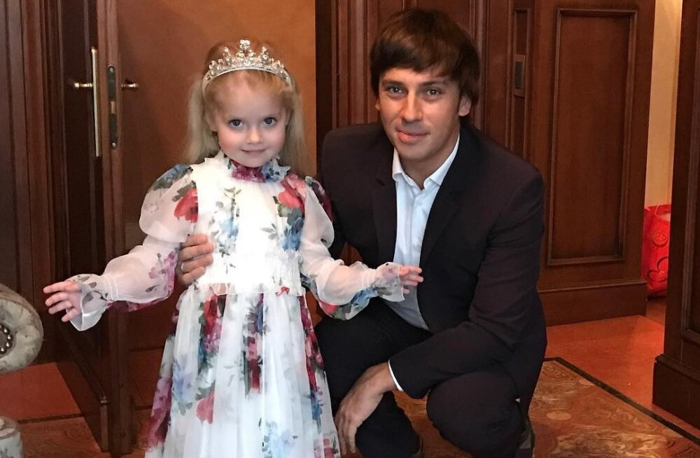 Наденьте это немедленно: дочь Пугачевой вынесла маме модный приговор