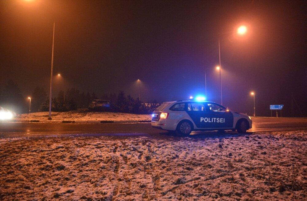 Avarii Pärnu maantee ringristmikul