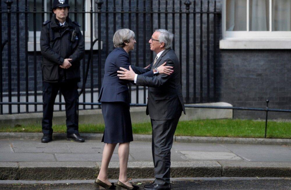 Tervitusembus või heiteks valmistumine? Euroopa Komisjoni president Jean-Claude Juncker oli pärast Briti peaministri Theresa Mayga kohtumist äärmiselt häiritud. Tema hinnangul elab May mingis teises galaktikas.