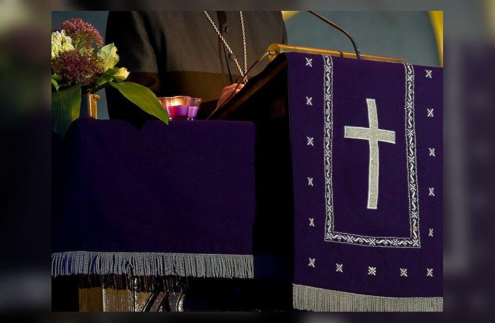 Vormsis otsitakse lahendust Rootsi viidud kirikuvarade osas