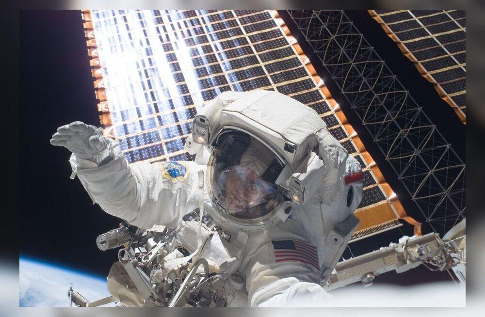 Järgmised kosmoseülikonnad ei valmi veel niipea: NASA-l saavad juba skafandrid otsa