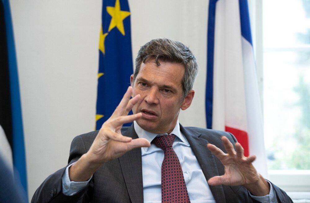 """""""Isegi kui riik pole digiteeritud, ei saa me valvsust kaotada,"""" räägib kindral de Paillerets Mali kohta."""