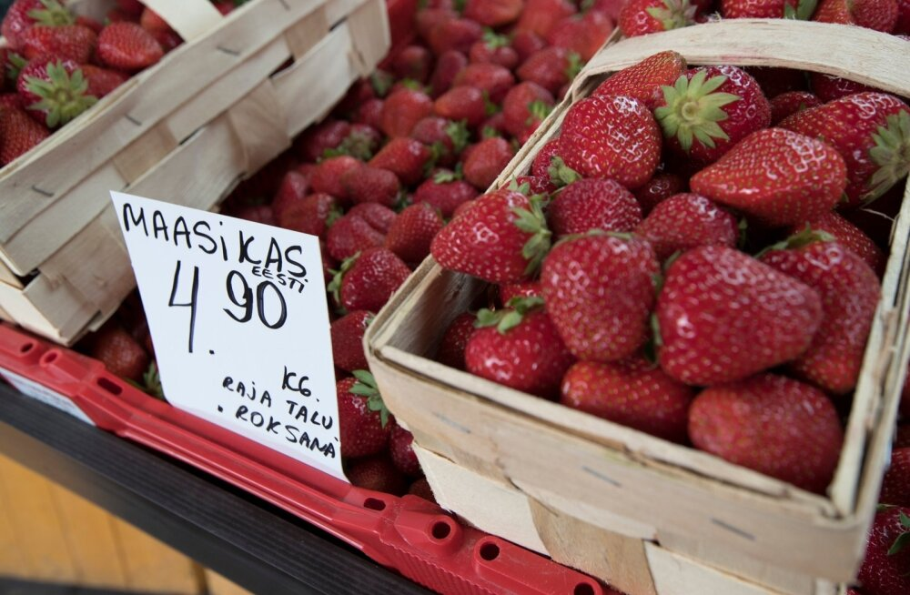 Maasikate hinnad Balti Jaama turul