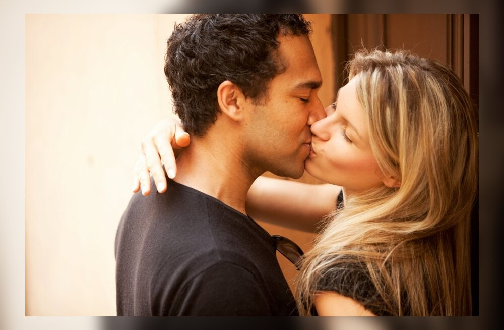 Самый сексуальный французкий пцелуй