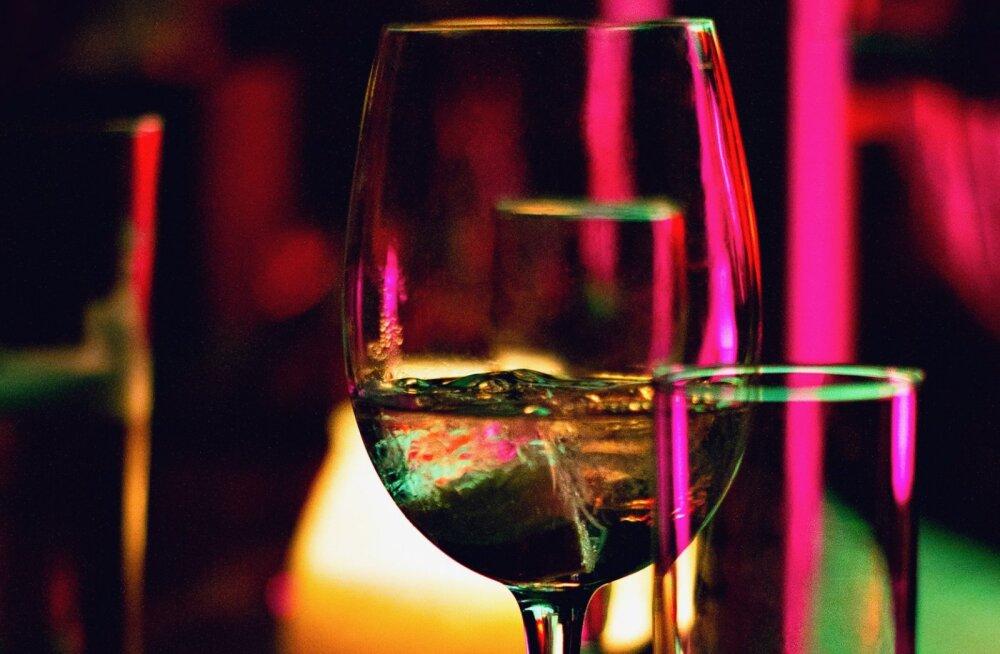 Alkohol mõjutab sinu nahka: need on seitse jooki kahjulikust kõige kahjulikumani