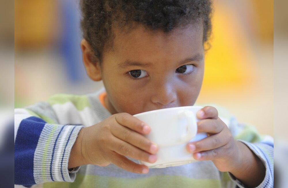 TÄISMAHUS: Lapsed armastavad tervisliku toidu asemel viinereid ja makarone
