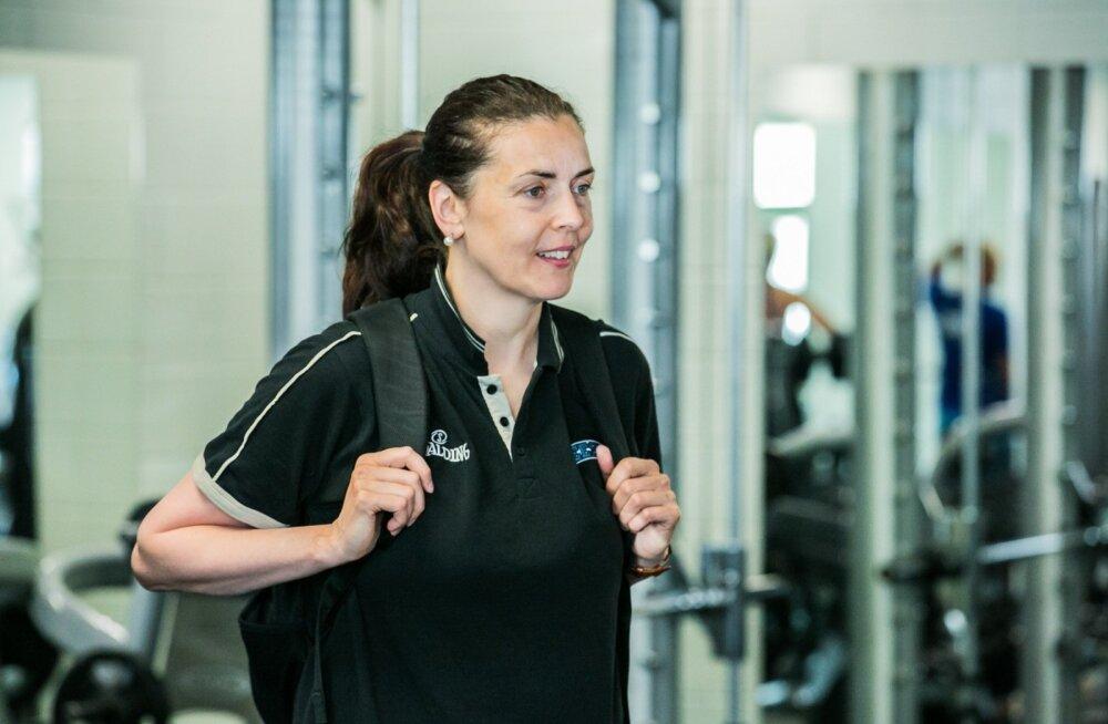 Naiste korvpallikoondise peatreener Janne Schasmin