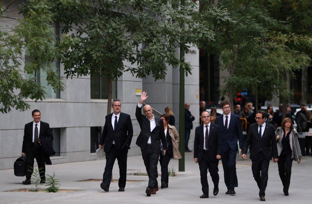 Hispaania prokuratuur taotleb Kataloonia valitsuse tagandatud liikmete vahi alla võtmist