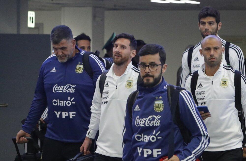 Argentina jalgpallikoondis jõudis Venemaale