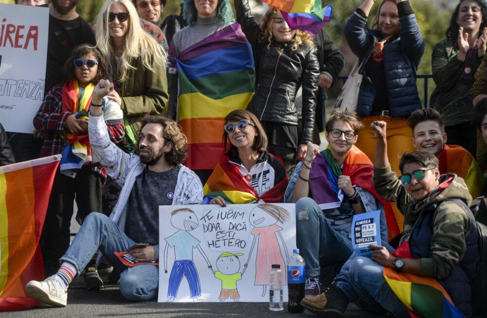 Rumeenlased otsustavad, kas abielu on ainult mehe ja naise liit