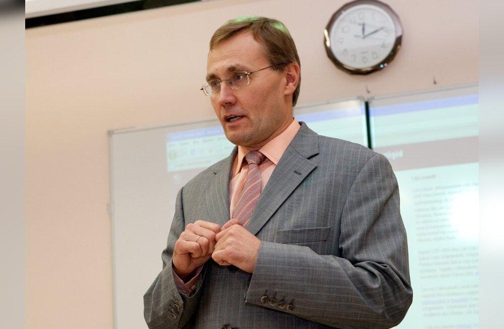 Лукас: уступки поставят русские гимназии в неравное положение