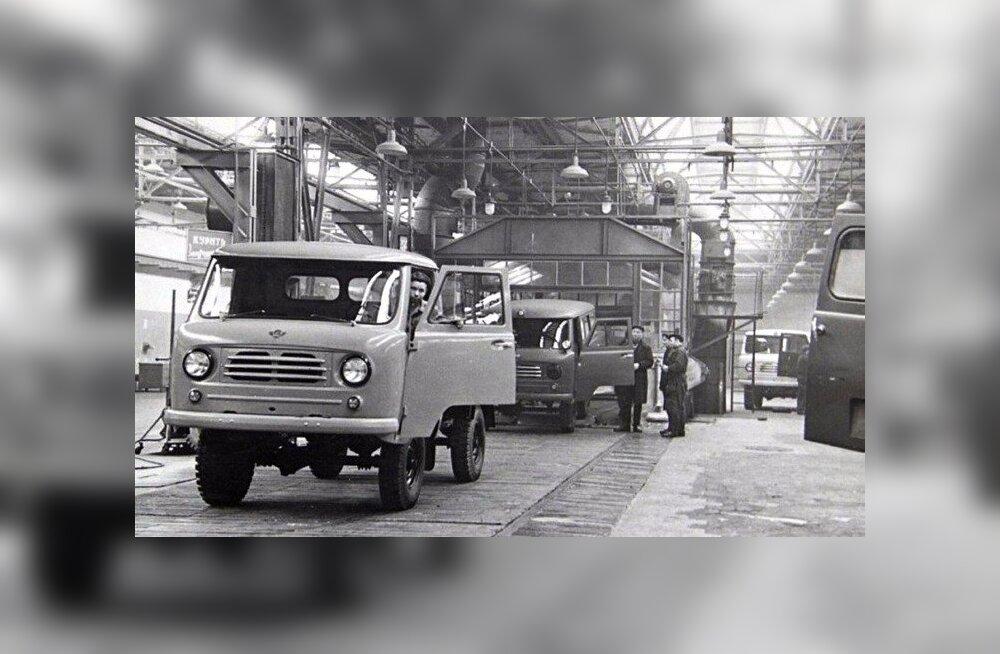 """Uljanovski autotehas laseb UAZ-450 tähtpäeva puhul välja """"pätsikese"""" erimudeli"""