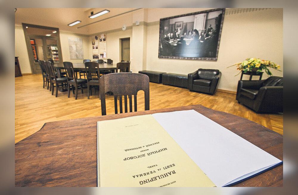 VAATA: Tartu rahu tuba, laud ja toolid