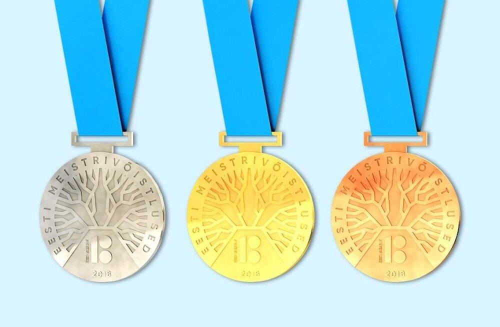 FOTOD | Vabariigi 100. juubeliks korraldatud meistrivõistluste medalikonkursi võitis tammepuu motiiviga kujundus