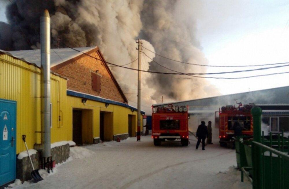 Novosibirski tehasepõlengus hukkus kümme inimest