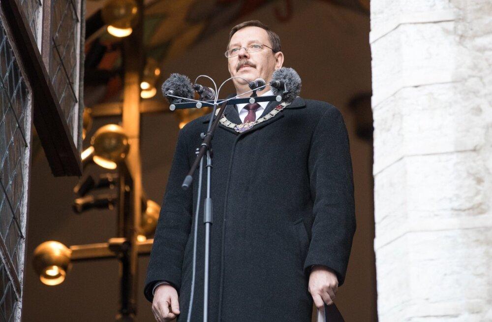 Tumendatud klaasid, nelikvedu, võimas mootor - linnapea Taavi Aasal on ametiautole kõrged nõudmised