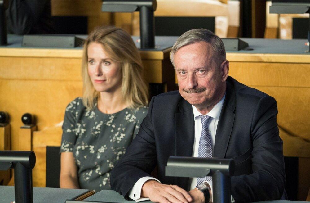 Siim Kallas tahab tuleva aasta suvel Reformierakonnas juhivalimised korraldada. Hanno Pevkuri juhitooli kõigutajaks on pakutud Kaja Kallast.