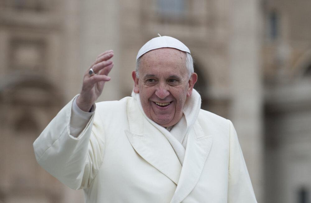 PAAVST KÜLASTAB TÄNA EESTIT   Kümme põnevat fakti paavst Franciscusest