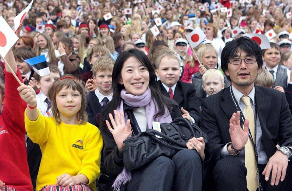 Tallinna saabus Jaapani keiser Akihito koos keisrinna Michikoga