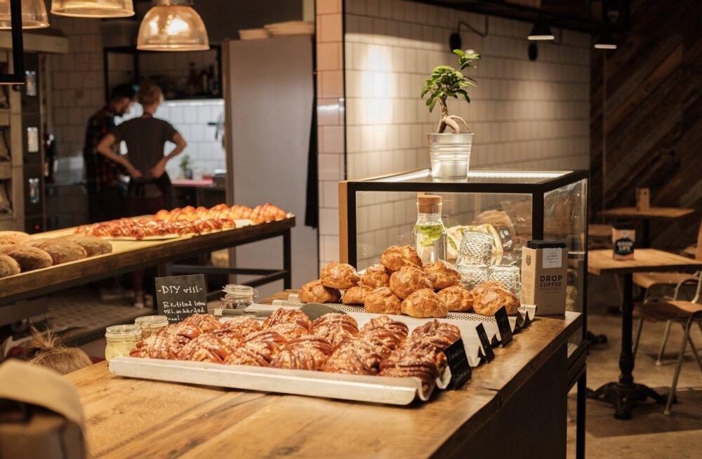 Ajaloolises nisuveskis asuv skandinaavialik pagarikoda ja kohvik Röst võlub värskete ahjusoojade saiadega veendunuimatki gluteenipõlgurit.