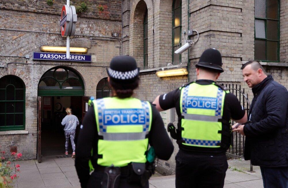 Politsei valvas eile Londonis Parsons Greeni jaama juures.