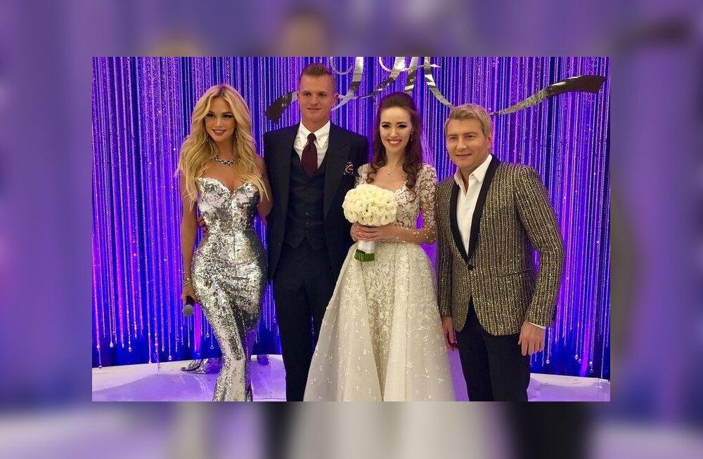 ФОТО: Дмитрий Тарасов и Анастасия Костенко обвенчались и сыграли грандиозную свадьбу