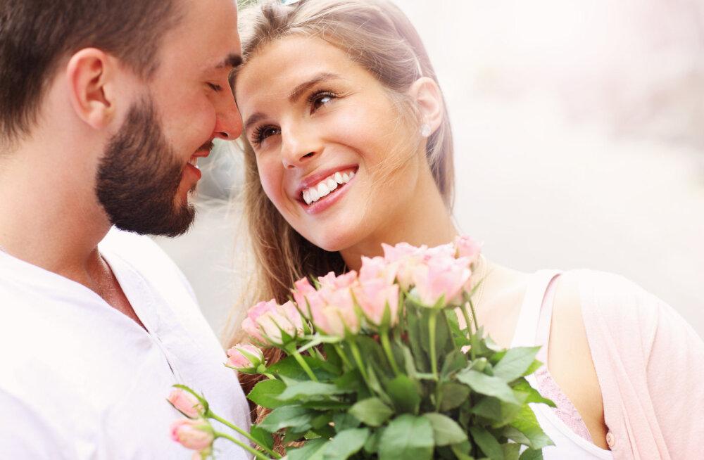 ТОП 3 цветочных магазинов, где заказать цветы на 8е МАРТА!