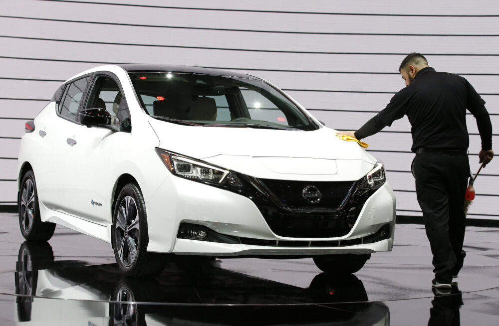 WHATCAR? TESTIB   Teise põlvkonna Nissan Leaf, tänavune parim valik elektriautode seas