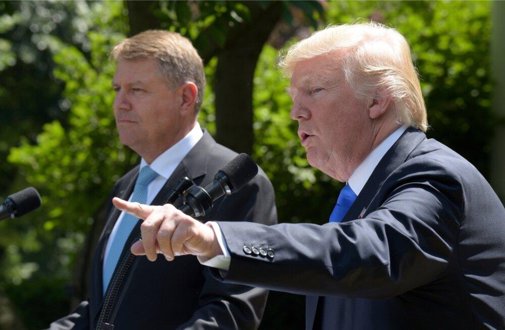 Jah, Donald Trump järgiks NATO 5. artiklit. Olulise sõnumi otsustas ta poetada Rumeenia presidendi Klaus Iohannise (vasakul) visiidi ajal.