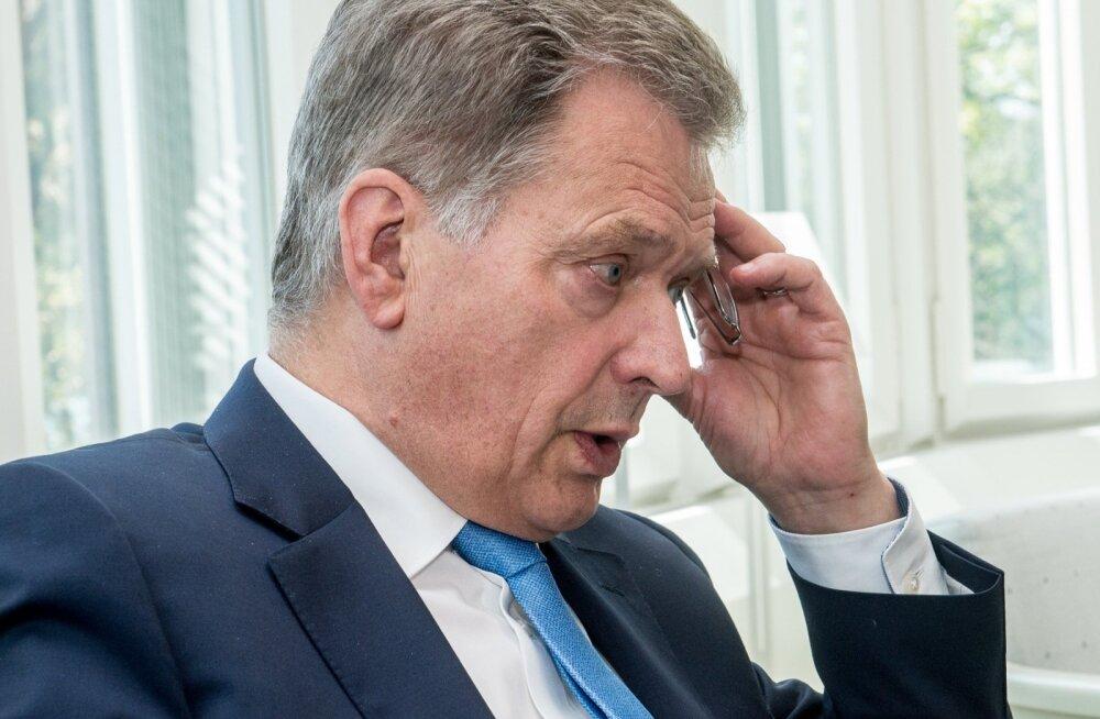 Soome president Sauli Niinistö ütleb, et NATO-liikmesusel oleks Soome jaoks plusside kõrval ka ilmseid miinuseid.