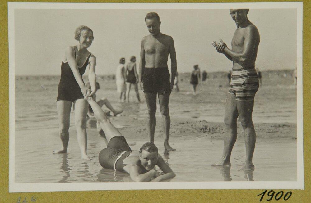 Vaade Pirita supelrannale. Suvitajad rannas 1920ndatel