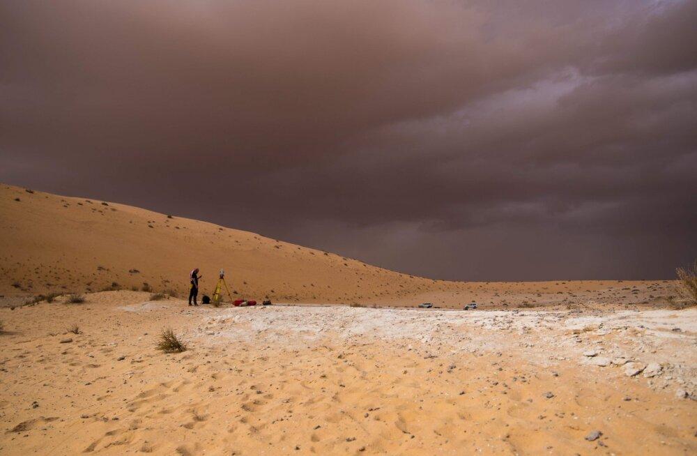 Araabia kõrbest leiti ürgne sõrmelüli, mis võib Homo sapiensi Aafrikast lahkumise loo ümber kirjutada