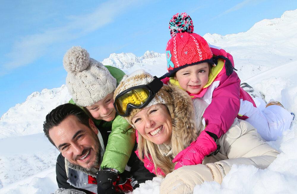 Lumi, päkapikud ja põhjapõdrad ootavad! Viis kõige põnevamat kohta Lapimaal, kus saad koos perega nautida tõelist talvemuinasjuttu