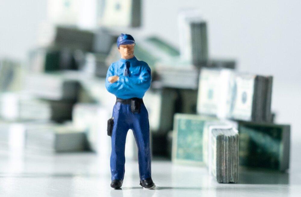 SAHINAD | Saare politseiniku suured võlad
