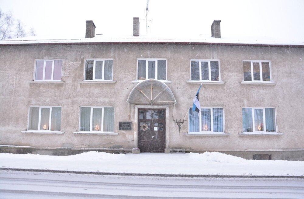 Endises Vastseliina vallamajas alustab 9. jaanuarist kaks korda nädalas vastuvõttu sotsiaaltööspetsialist. Vallavalitsus asus esimesel korrusel, teine korrus on korterite päralt.