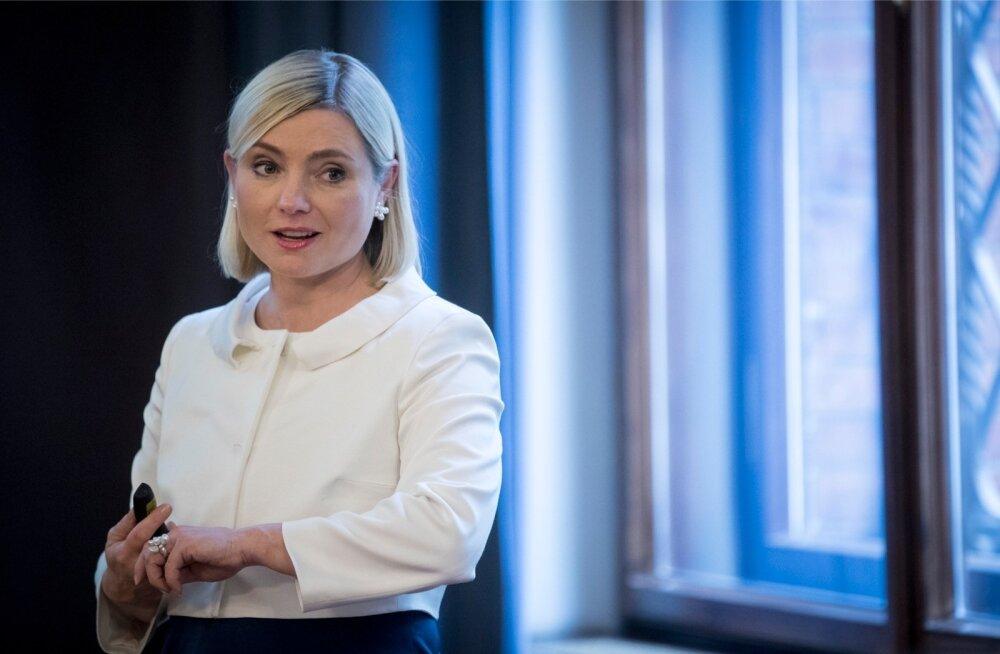 Islandi kultuuri- ja haridusministri Lilja Dögg Alfredsdottiri sõnul tuleb ennekõike panustada õpetajatesse, aga suurendada ka lapsevanemate osalust koolielus.