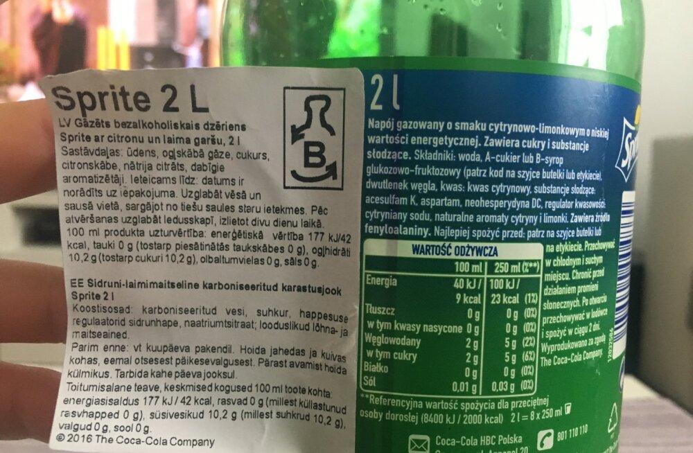 Lugeja foto: tuntud karastusjoogi pudelile kleebitud sildil näidatakse suhkrusisaldust teiste numbritega