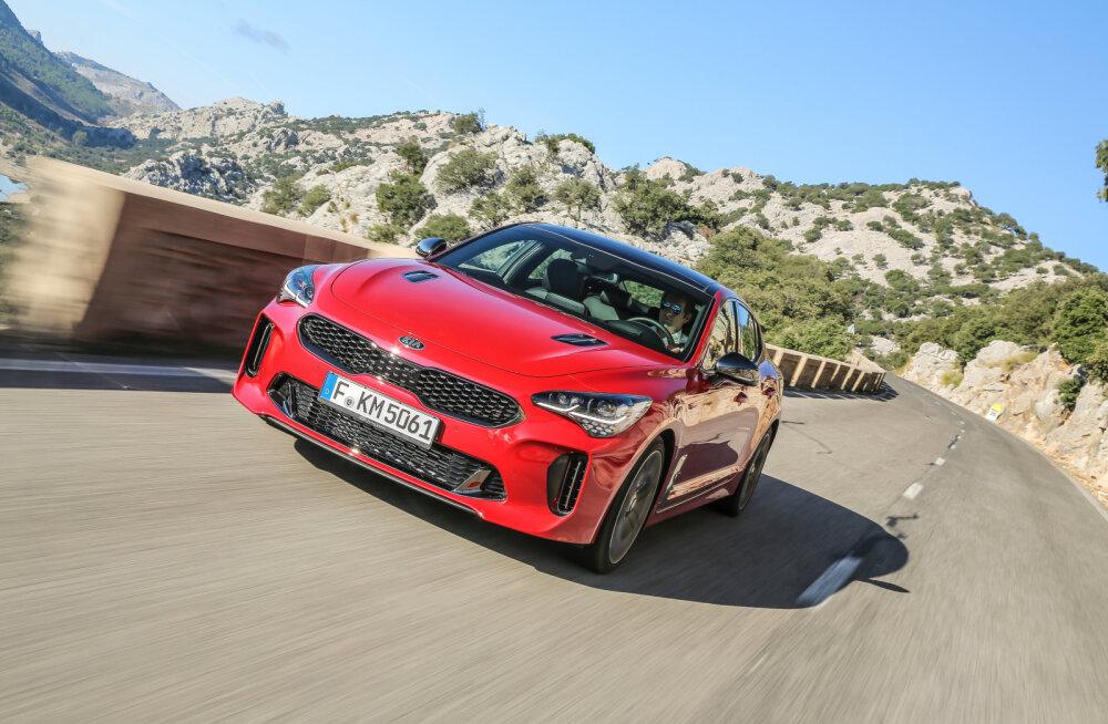 Kia Stinger võidab autoajakirjanike südameid: auto jõudis COTY 2018 finaali