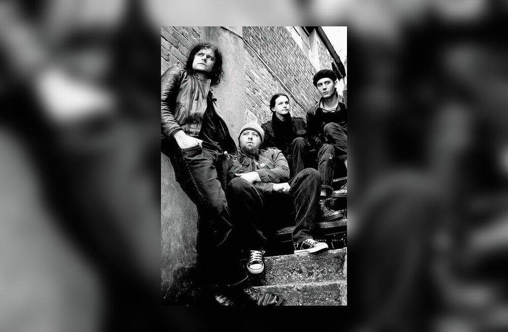 Londoni eestlaste bänd Dead Next Door esitleb uut plaati