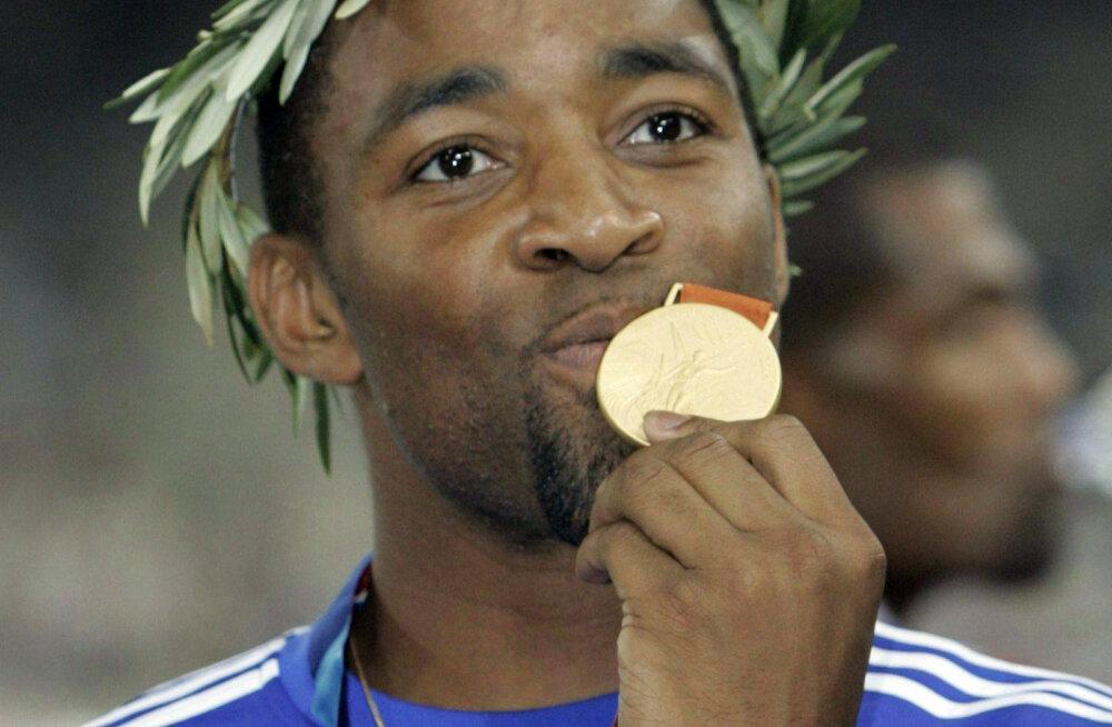 Darren Campbell 2004. aasta olümpiakullaga