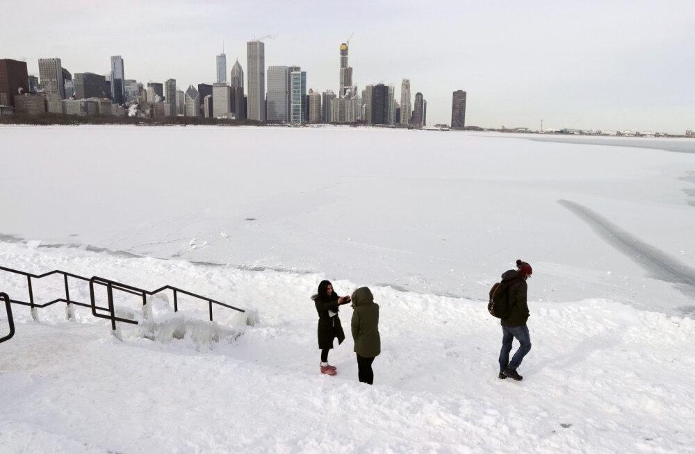 VAU, milliseid inimesi leidub! Anonüümne heategija ostis Chicago külmalaine ajal 70 kodutule nädalaks hotellitoad