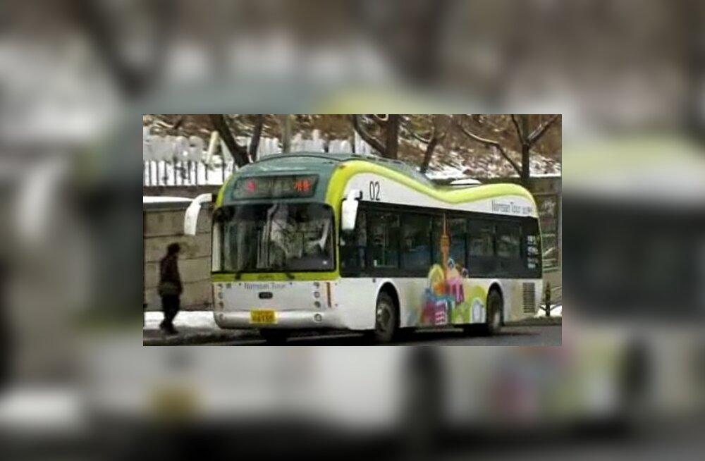 Väljast on see buss nagu buss ikka
