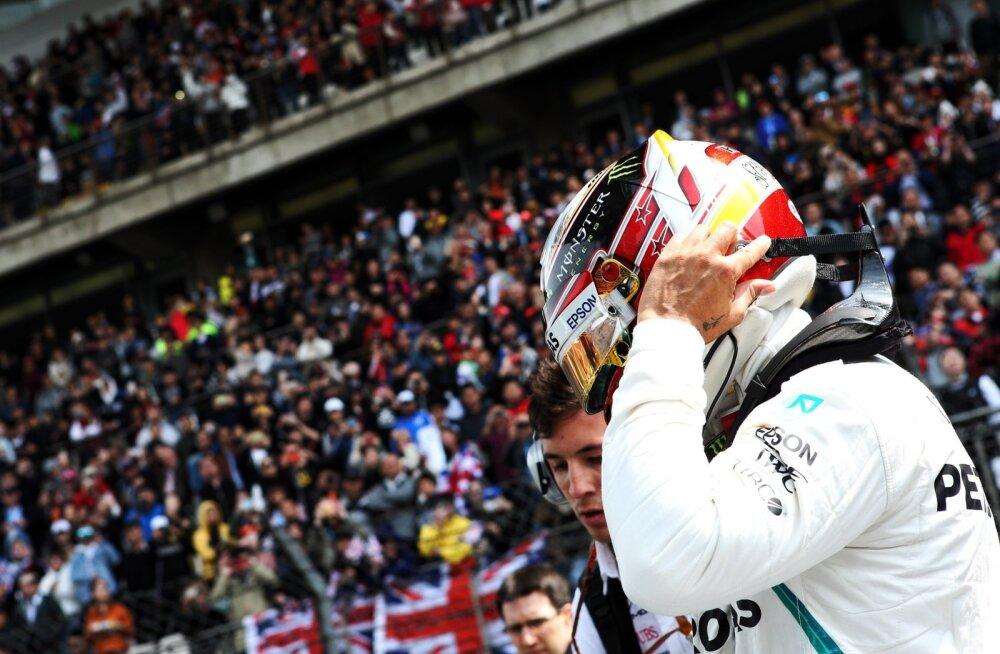 Lewis Hamilton Shanghais.