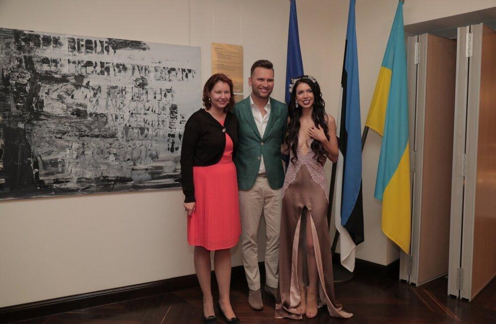 Koit ja Laura Kiievi Eesti saatkonnas