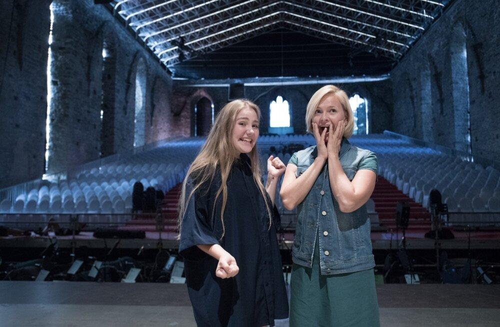 Hanna-Liina Võsa ja tema õpilane Emma Tross Pirita kloostris