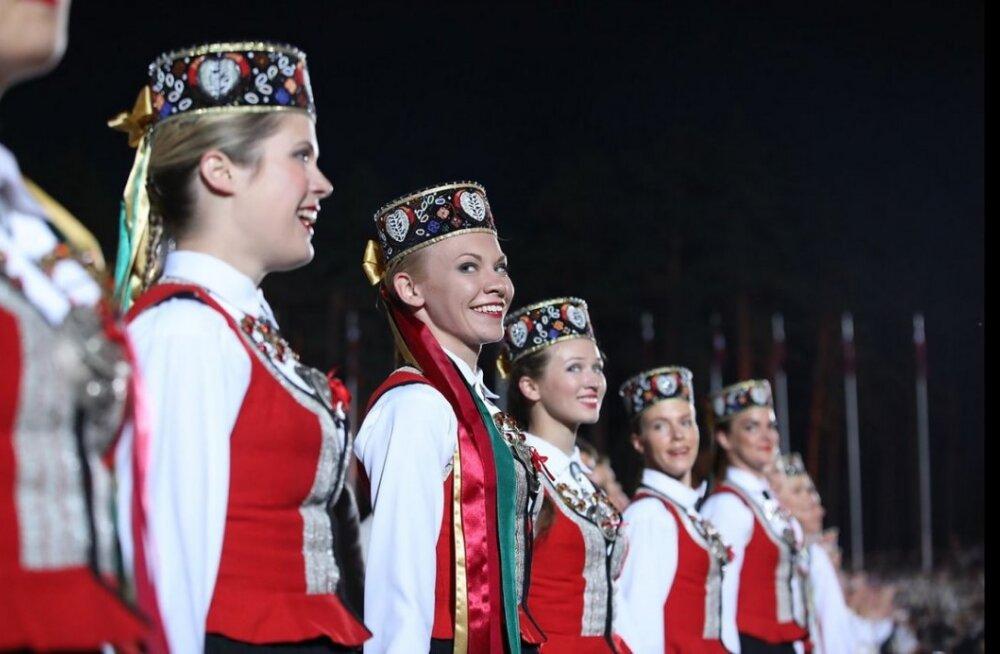 FOTOD | Kaunimad hetked laulupeolt, mis laadis lätlased pilgeni rahvuslikku väge täis