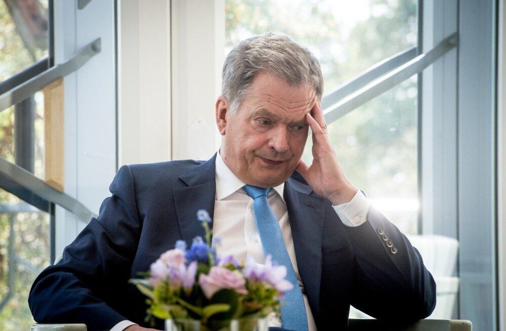 Soome president Sauli Niinistö vihastas ajakirjaniku peale ning peab oma Vene-poliitikat ikka ja jälle selgitama.